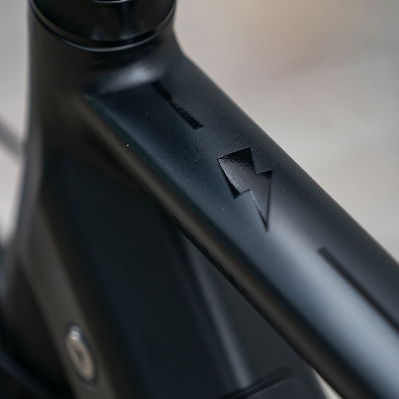 E-Amsterdam Commuter eBike Close up in Satin Black