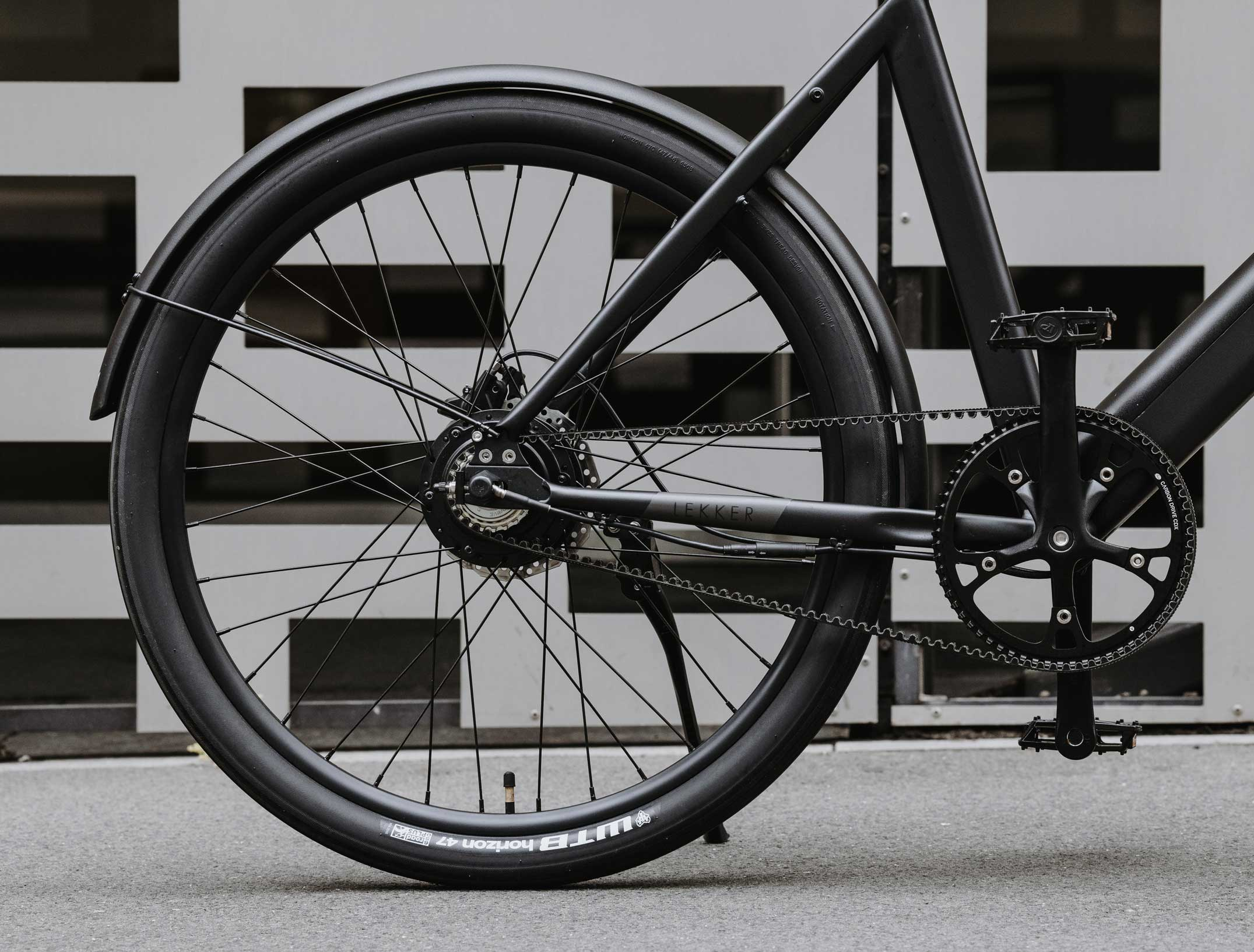 Close up on Amsterdam+ eBike rear tyre